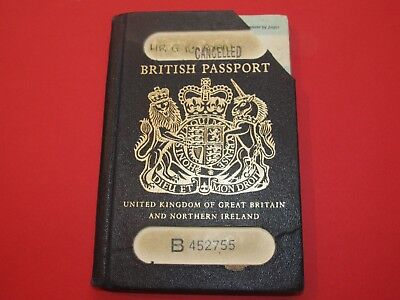 EXPIRED PASSPORT from UNITED KINGDOM OF GREAT BRITAIN AND NORTHERN IRELAND 1990