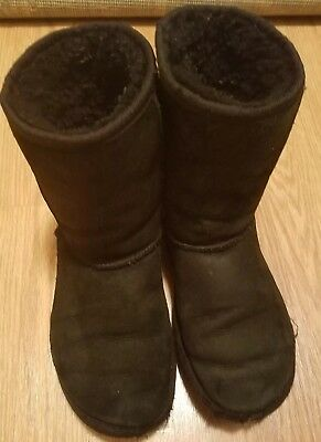 Black Uggs Girls Size 4 Genuine