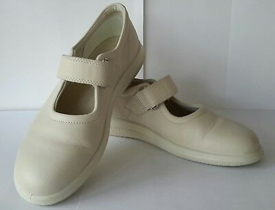 2170de0db9d1 ECCO LADIES MARY JANE LEATHER SHOES - BEIGE CREAM - SIZE 4 - Worn once