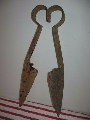 Rusty Old Barn Find Worn Sheep Shears Steampunk Decor Heart Sahped Spring 13.5""