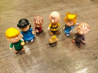 Peanuts CHARLIE BROWN CHRISTMAS PAGEANT NATIVITY SET 7 Mini Figures 3.25""