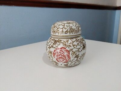 Luxury Antique Fine Chinese Porcelain Vase With Lid/Cup