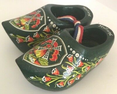 Tiny wooden clogs shoes HOLLAND painted windmill Netherlands DUTCH miniatures