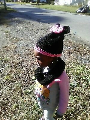 Handmadr Crochet Minnie Mouse Hat And Scarf Set