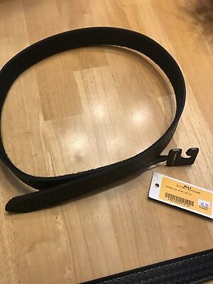 "Safariland  Buckleless 1.5""  Police Gun Duty Belt Size med (34-36)"