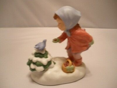 """Avon """"We Wish You a Merry Christmas"""" Porcelain Musical Figurine Vintage 1986"""