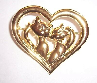 Vintage  ''   Cats In Love   '' Brooch Pin/dc
