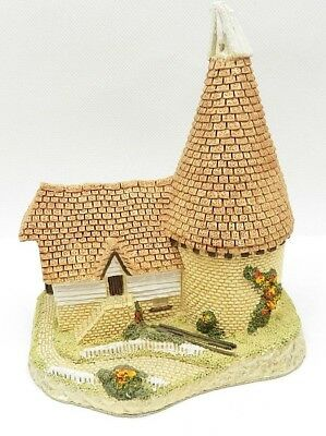 David Winter Single Oast 1981 Cottage Hand Made and Painted Great Britain