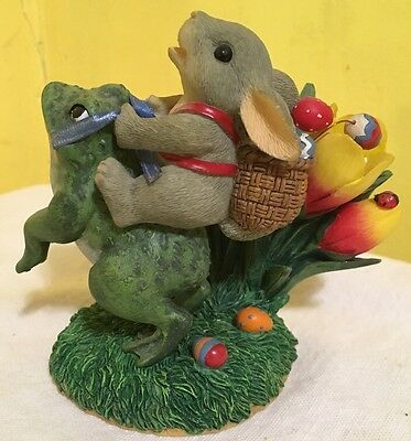 """88_110 Charming Tails Easter """"Hopping Down The Bunny Trail"""" Frog Figurine"""