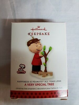 Charlie Brown -A Very Special Tree - HALLMARK Ornament - #5 Happiness Is Peanuts
