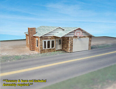 Z Scale Building -  Small Ranch Style House - Coverstock (PAPER) Pre-cut Kit RH2