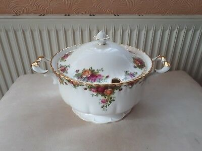 Royal Albert Old Country Roses. Very Large Footed Soup/casserole Tureen.