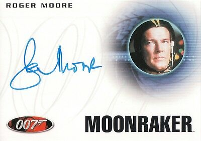 James Bond Archives 2017 - Roger Moore 'James Bond' Autograph Card A223