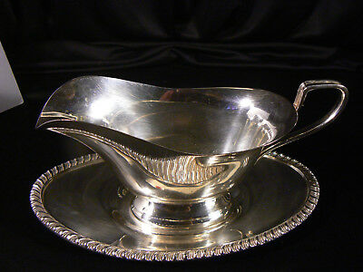 Lovely Vintage Silverplate Footed Gravy Boat, Drip Saucer, Underplate  *Super!*