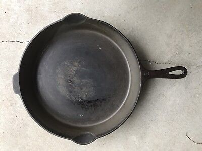 Vintage Griswold 12 Cast Iron Skillet - 719 D - Heat Ring - Small Block Logo