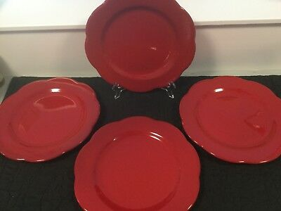 Set of 4 WAECHTERSBACH NWT RED HOLIDAY CHRISTMAS Red Scalloped DINNER PLATES WOW