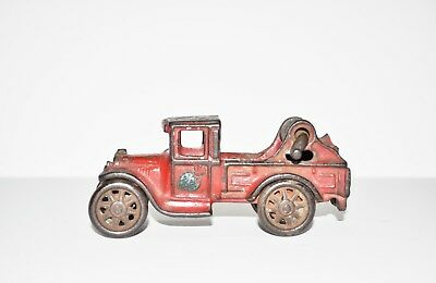 Antique 1920's Arcade Red Cast Iron Wrecker Tow Truck w/Winch #221 R-L
