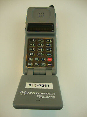 Vintage Motorola Flip Phone Block Style Model F09HLD8477AG With Case