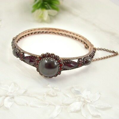 Gorgeous Vintage garnet cabochon bangle in Victorian style // ГРАНАТ