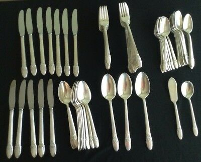 1847 Rogers Bros. silverplate first love 72 pieces 11 place settings with extras