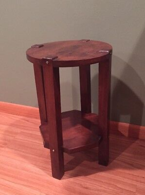 ANTIQUE MISSION ARTS and CRAFTS SIDE TABORET TABLE in WALNUT