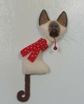 CAT- large lanky siamese kitty with scarf and bell ornament / magnt-kutiekatz