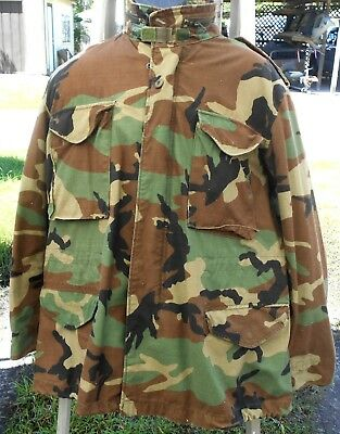 US-Army M-65-Field Jacket ISSUED  Woodland Camo. Size. Medium Reg. (D-3)
