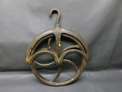 Antique Cast Iron  12 Inch  No. 5  Well Pulley - Solid