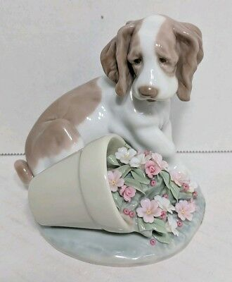 Lladro 1998 Collectors Society It Wasn't Me Dog Puppy Flowers Retired Figurine