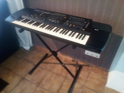 Keyboard  Roland  E-86 Intelligent Synthesizer