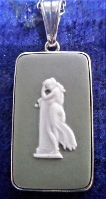 Wedgwood Green Jasper Pendant & Chain Set In Sterling Silver, Perfect