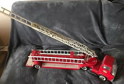 Vintage Tonka Hook & Ladder TFD Fire Truck and Trailer Hydraulic Aerial Ladder