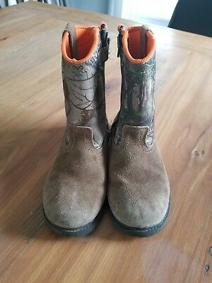 Magellan Outdoors Camo Hunting  Boots Boys Size 1D Youth pre owned