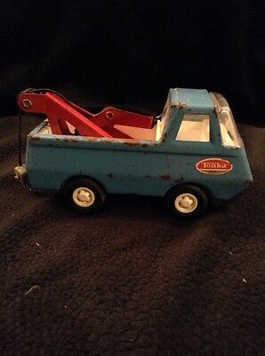 Vintage Tiny Tonka Wrecker Metal 1960's Blue Red