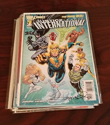 DC New 52 Justice League International #1 - 12 + Annual #1 Complete run