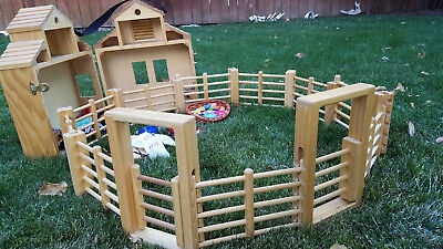 PORTABLE Wood Traditional Size Breyer Horse Barn with Fence and LOTS OF EXTRAS!