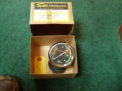 Vintage Sun Electric Green stripe VAC-30 vacuum gauge W/ box