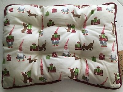 "NEW Dachshund Christmas Gnomes Bed Bedding Crate Pad 16"" By 22"" Small Doxie Dog"