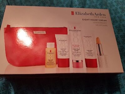 Elizabeth Arden Eight Hour Gift Set brand new in gift bag perfect for Christmas