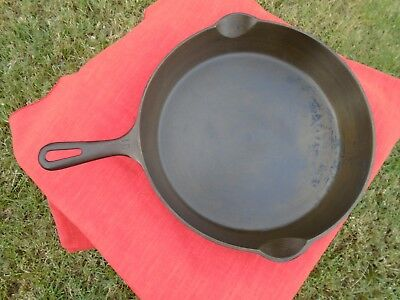 Griswold ERIE PA Cast Iron Vintage Antique no. 10 Skillet Frying Pan  716 S NICE