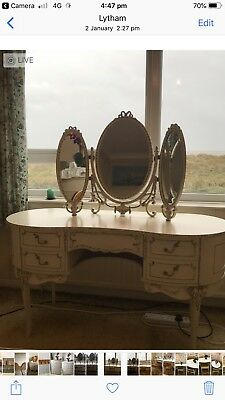 Bedrm FurnitureQueen Ann Style Dressing Table& (mirror Not Inc) Chest Of Drawers