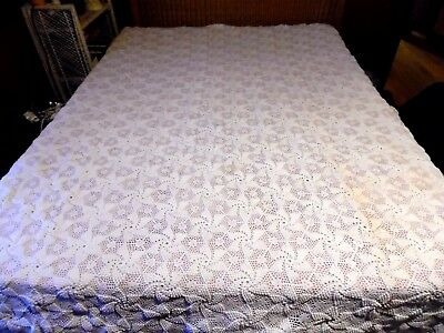 Antique Vintage Hand Crocheted Popcorn Stitch Scalloped Fringed Full Bedspread