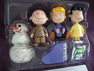 Peanuts,Charlie Brown Christmas Figurines,Lucy,Schroeder,Pigpen Play Set