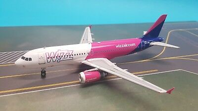 InFlight200 Airbus A320-200 Wizz Air HA-LWO (with stand) Ref: IF320W6001