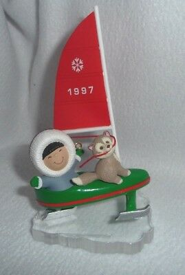 Hallmark Frosty Friends 1997 Christmas Ornament 18th in Series With Box