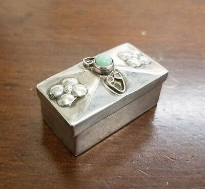 Mexico Sterling Silver Pill / Snuff Box With Green Stone - 8.1 Grams