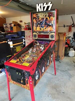 Stern KISS LE Limited Edition pinball Machine Only 500 made! Low plays! Pristine