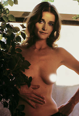 Margot Kidder With His Hand On His Belly 8x10 Quality Photo Print