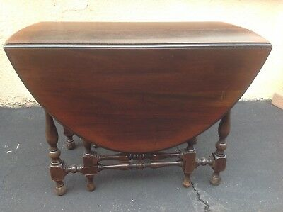 Antique WILLIAM AND MARY Style Drop Leaf Walnut DINING ROOM TABLE Entry Table