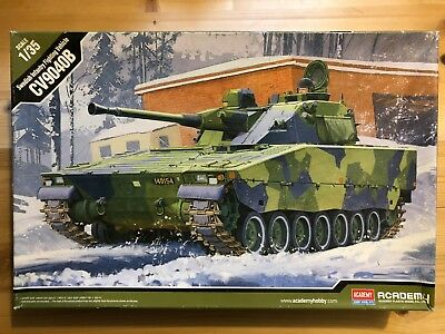 Swedish Infantry Fighting Vehicle CV9040B in 1:35 von ACADEMY
